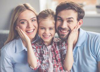 Famille au sourire en santé